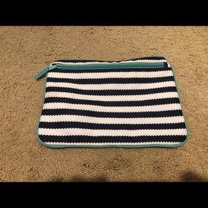 Thirty-One Pocket